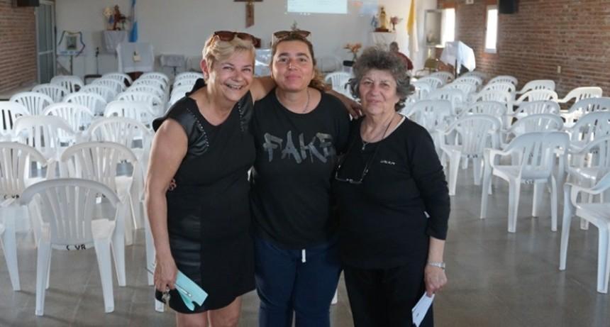 La intendenta entregó aporte a la capilla Virgen del Rosario