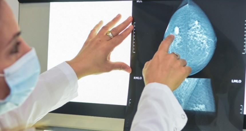 Salud recuerda en el Día de la sensibilización sobre el Cáncer de Mama que la mamografía es el estudio indicado para su detección temprana
