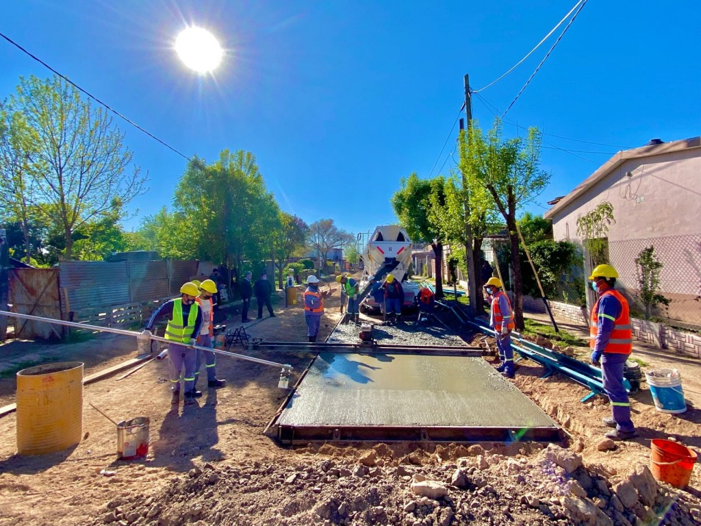 El Municipio avanza con pavimento en zona Sur