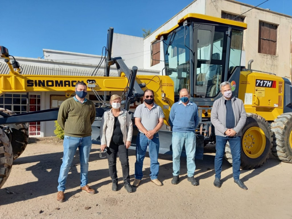 Consorcio y Municipio suman maquinaria para mejorar los caminos rurales