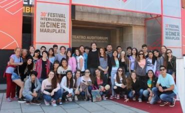 El Municipio llevó a estudiantes secundarios al Festival de Cine de Mar del Plata
