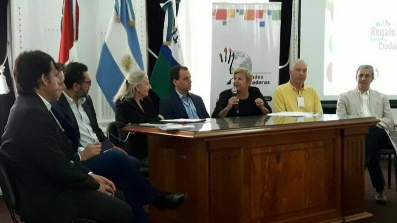 Clérici expuso la experiencia local en Ciudades Educadoras