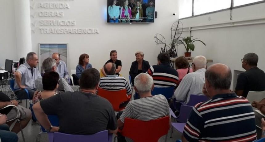Clerici se reunió con clubes y el Colegio de Arquitectos