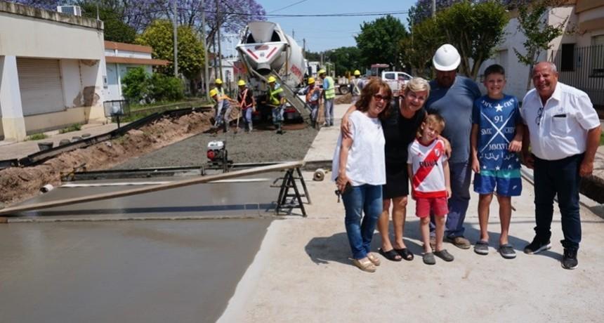 El Municipio culminó otra cuadra de pavimento