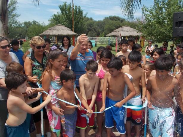La intendenta Clérici habilitó la temporada en los natatorios municipales