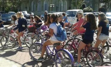 Colecta y bicicleteada de la colonia de vacaciones de Sport