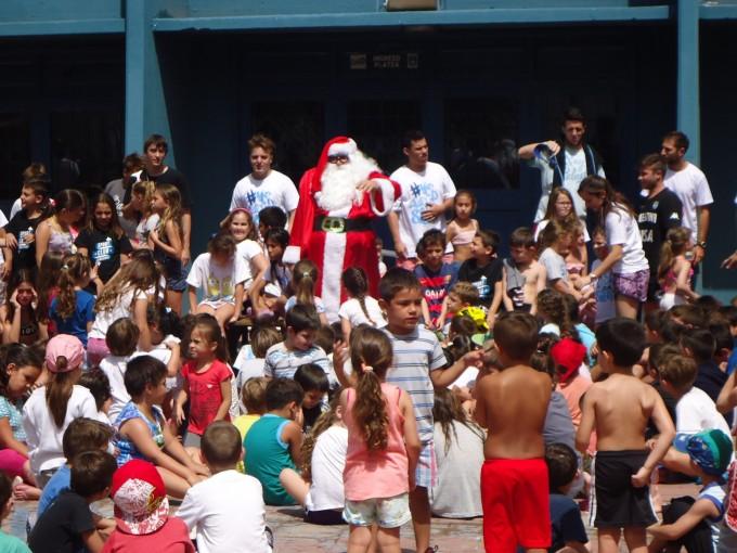 Papá Noel adelantó la Navidad en la Colonia de Sport