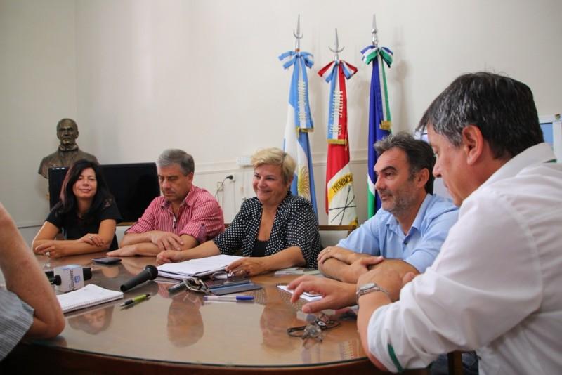 Clerici se reunión con intendentes y presidentes comunales por la reparación de la Ruta 9