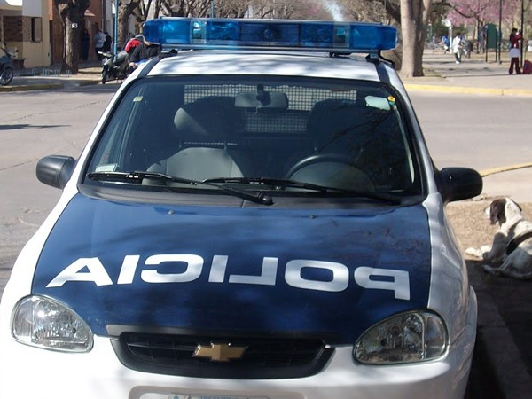 Accidente en Dorrego y Av. Santa Fe entre un auto y una moto