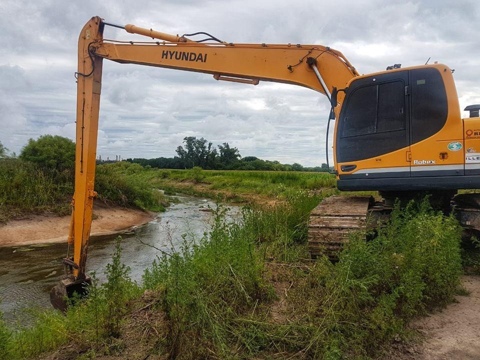 Comenzaron los trabajos de limpieza del arroyo