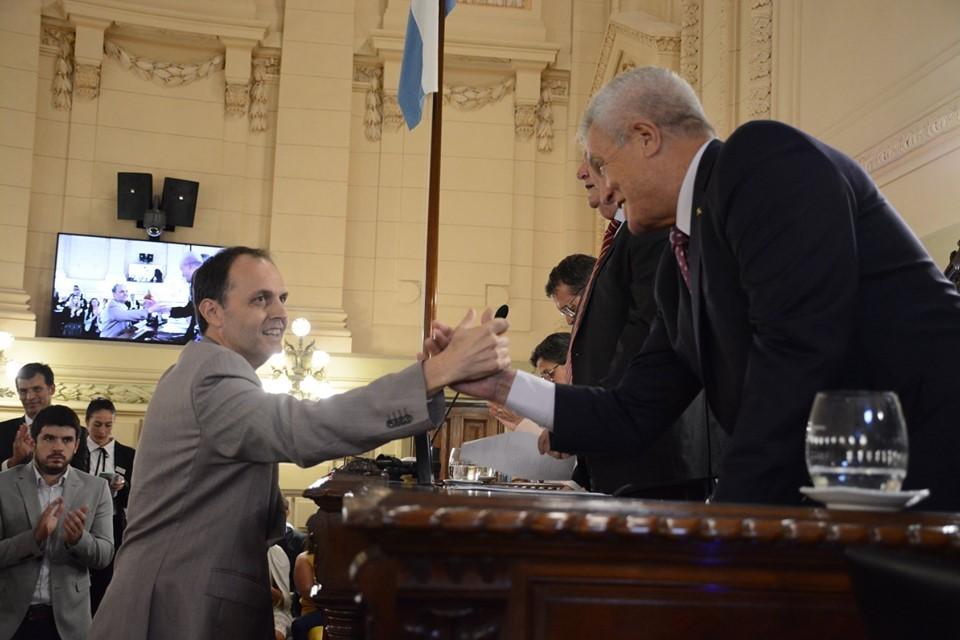 Rasetto juró en el inicio de un nuevo periodo como Senador Provincial
