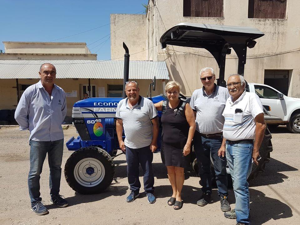El Municipio suma un tractor para desmalezamiento