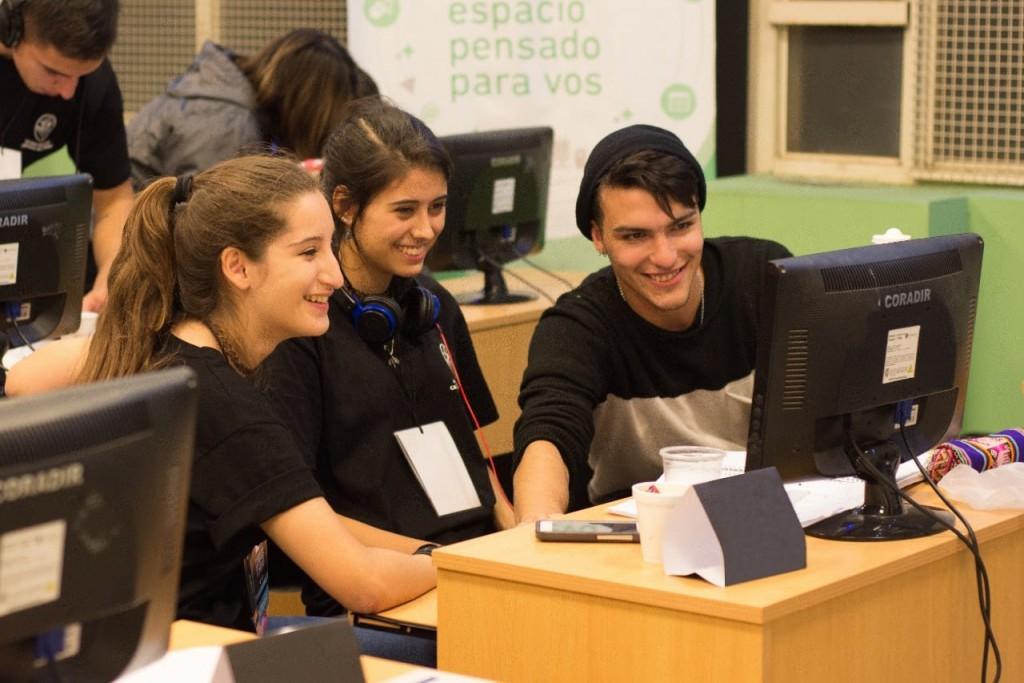 El Municipio y la FUDECA ponen computadoras a disposición de los estudiantes