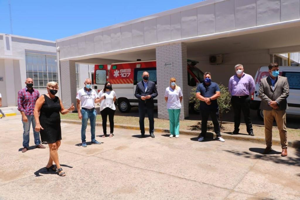 Clérici recibió al gobernador y entregaron nueva ambulancia al Hospital San José